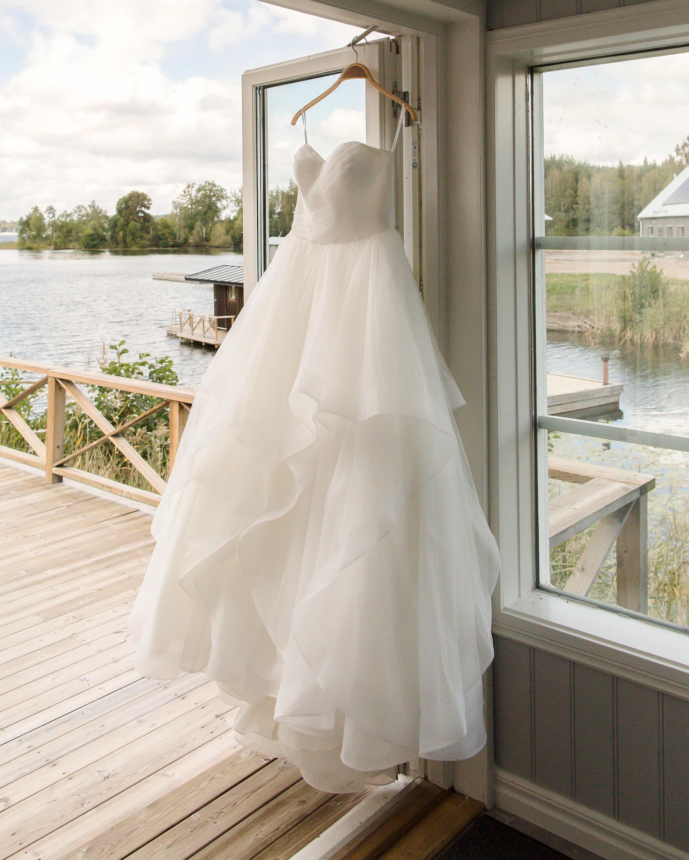 7985a84f674f Fota bröllop är bland det bästa jag vet, och planera bröllop med! Bokar ni  mig får ni en bröllopsfotograf som är med er i planeringen hela vägen fram  till ...